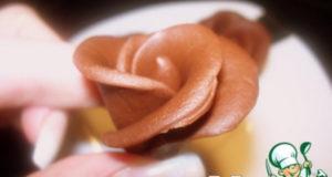 Шоколадная мастика и розочки из неe