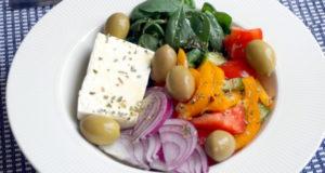 Греческий салат региона Македония