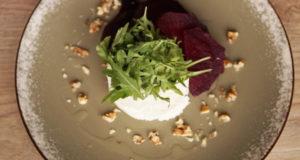 Городской салат со свеклой