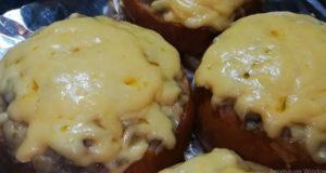 Жульен в булочке под сыром