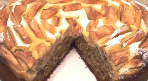 Медовый пирог с творожным суфле