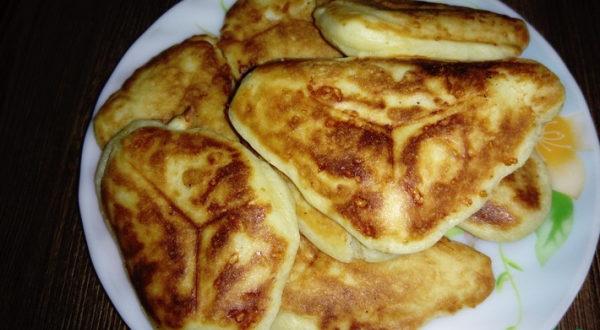Сырные оладья в бутерброднице