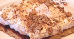 Песочное пирожное с меренгой