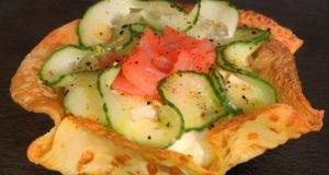 Салат с красной рыбой в тарталетках
