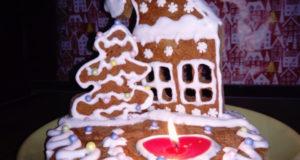 Рождественский пряничный подсвечник