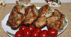 Свинная корейка фаршированная шпинатом, творожным сыром