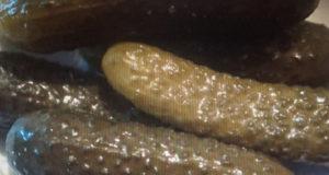 Соленые огурцы