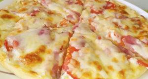 Пицца Ветчина и бекон с белым соусом