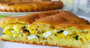 Заливной пирог с беконом яйцом сыром