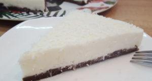 Шоколадно-кокосовый торт без выпечки