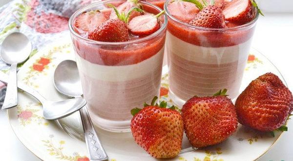 Клубнично-йогуртовый мусс