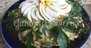 Слоеный салат Ромашка с ветчиной и грибами