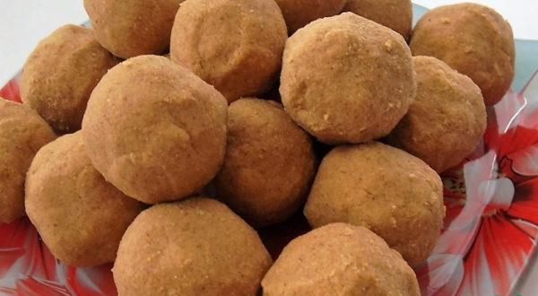 Индийские сладости Бесан ладду