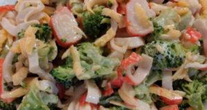 Салат с брокколи легкий