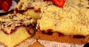Пирог с клубникой и хрустящей корочкой