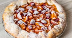 Галета с абрикосами и малиной