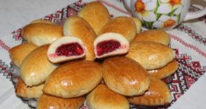 Пирожки с клубникой и малиной
