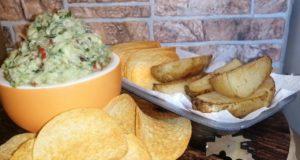 Гуакамоле с картофелем по-деревенски