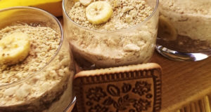 Творожно-банановый мусс с печеньем