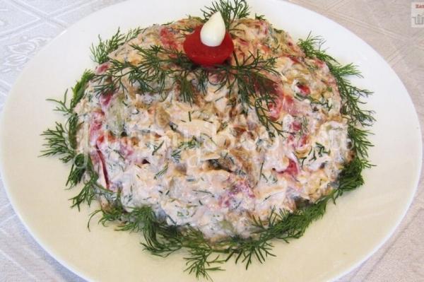 Салат с баклажанами помидорами и куриным филе
