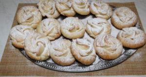 Печенье-розочки с финиками и орехами