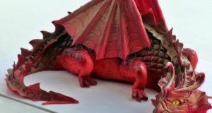 Дракон из сахарной мастики для торта