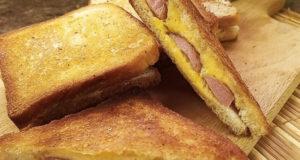 Сэндвич с сыром и сосисками