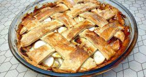 Классический яблочный пирог
