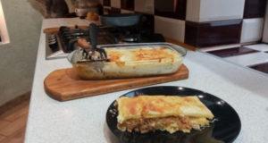 Лазанья из домашнего теста с двумя соусами