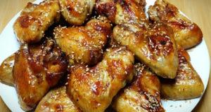 ВКУСНЫЕ КУРИНЫЕ КРЫЛЫШКИ в медово-соевом соусе с кунжутом