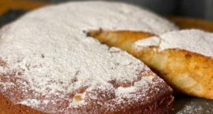 Грушевый пирог с медом и орехами