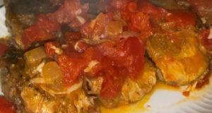Карп в томатно-чесночном соусе