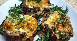 Картофельно-мясные гнезда с сырной начинкой