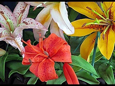 Лилия из сахарной мастики