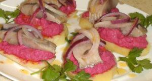 Картофельные тарталетки с сельдью