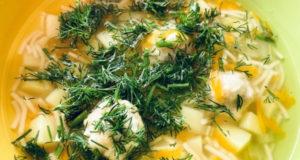 Суп лапша с фрикадельками и сельдереем