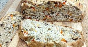 Хлеб с орехами и курагой