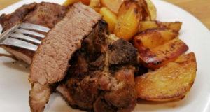 Сочная свинина с румяным картофелем