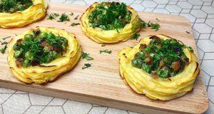 Картофельные корзинки с зеленым горошком