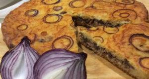 Луковый пирог с тунцом