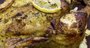 Запеченная курица с грибами и гарниром