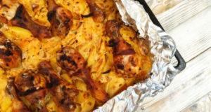 Запечённый картофель с курицей в сметанном соусе