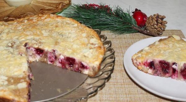 Блинный пирог с творожно-вишневой начинкой