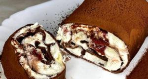 Блинный десерт с творожно-сливочным кремом и вишней