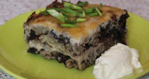 Макаронная запеканка с грибами и зеленым луком