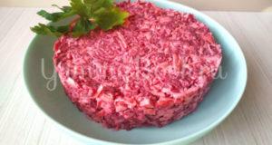Салат из свёклы «Розовый фламинго»