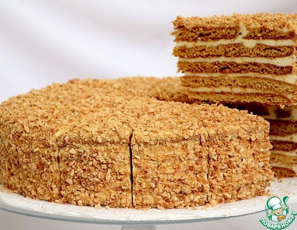 Покрытие боков торта крошкой