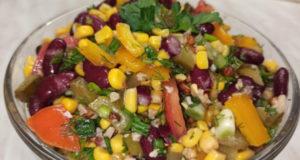 Салат овощной с солеными огурцами без майонеза
