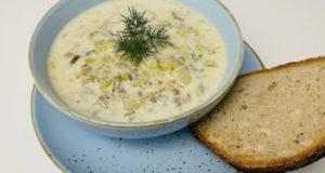 Сырный суп с луком порей