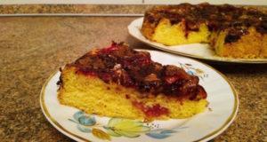 Пирог со сливами с корицей